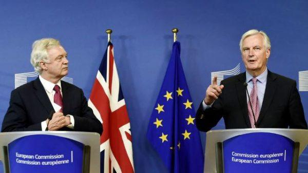 Велика Британія і ЄС обговорюють розлучення