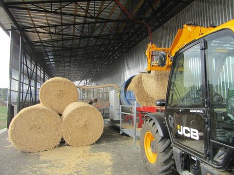 На Вінниччині відкрито лінію з виробництва брикетів із соломи