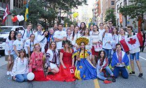 Допомагаємо українській молоді відчиняти двері в канадську освіту