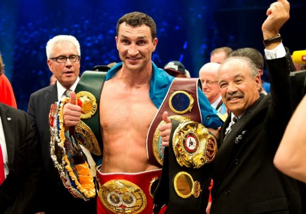 Володимир Кличко завершує кар'єру боксера