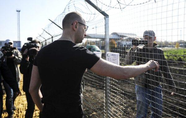 Де стіна на кордоні з Росією?