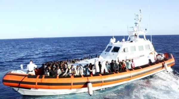 Рятівники біженців припиняють роботу