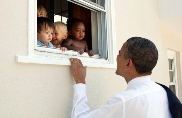 Барак Обама ставить рекорд у мережі Twitter