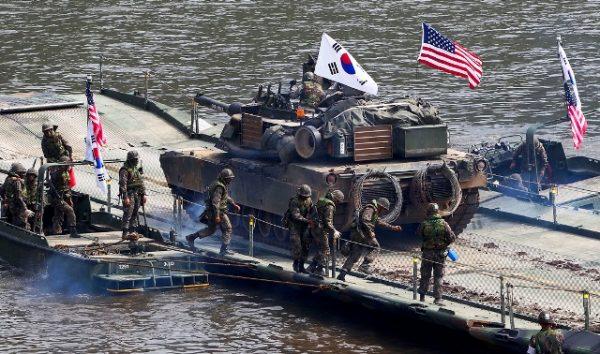 Маневри у Південній Кореї відбудуться за планом