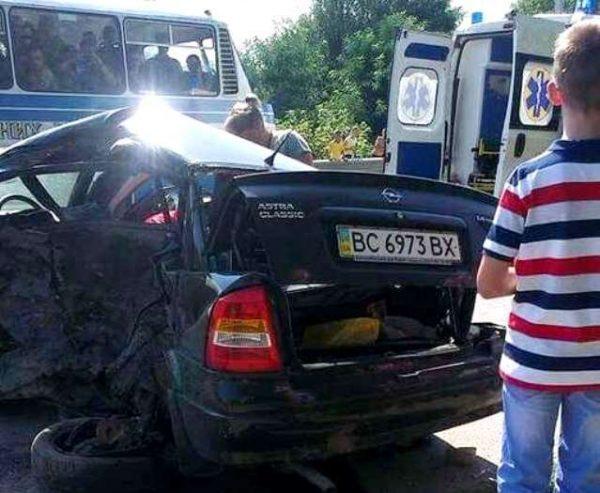 Потрапило в аварію авто президента ФК «Карпати»