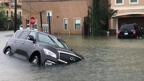 Буревій «Харві» викликав повінь у Х'юстоні