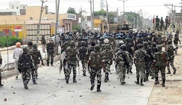 Індія: поліції наказано стріляти без попередження