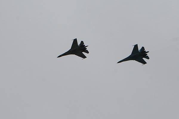 Чому у небі над Бущиною літали військові літаки
