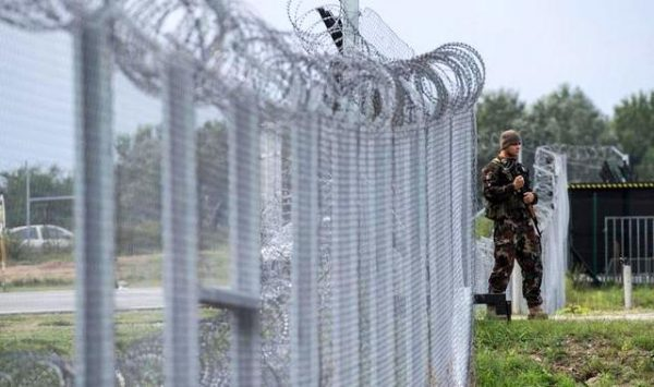 В Угорщині є своя проблема «стіни»