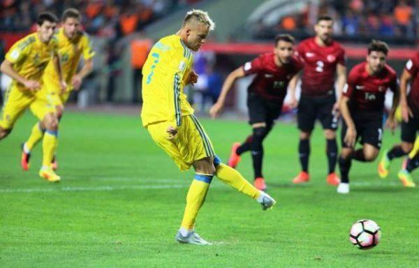 Українські футболісти стали лідером групи