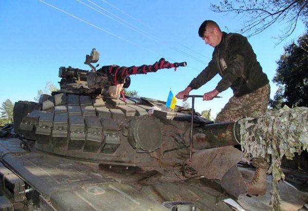 Військову техніку готують до зими