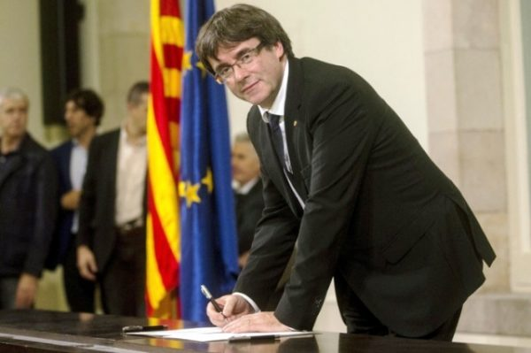 Влада Каталонії уникає прямої відповіді
