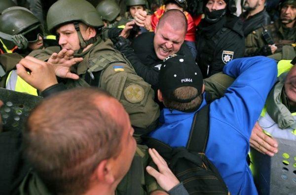 У Києві знову з'явилися намети