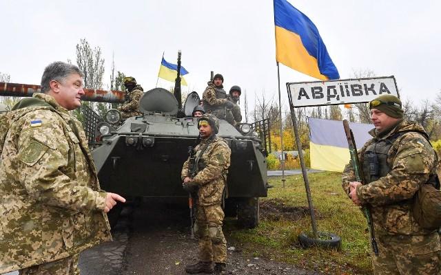 Петро Порошенко побував у прифронтовій Авдіївці
