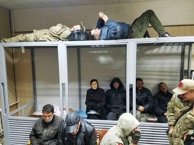 Барикади у Святошинському суді Києва