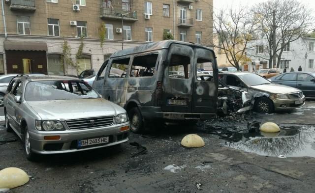 Ніч автомобільних пожеж у Одесі