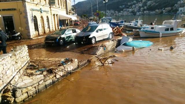 Нищівний шторм у Егейському морі