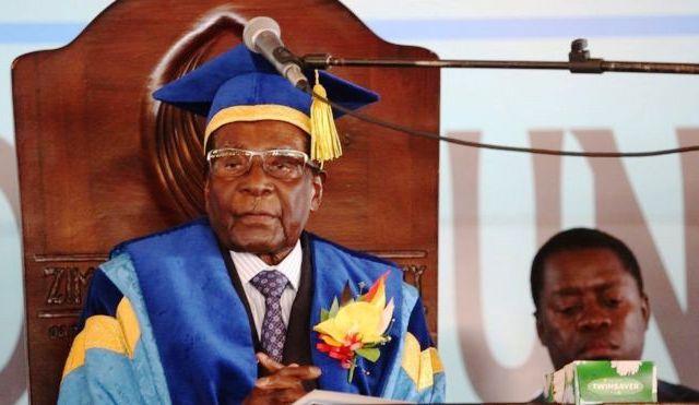 Президент Зімбабве з'явився на публіці