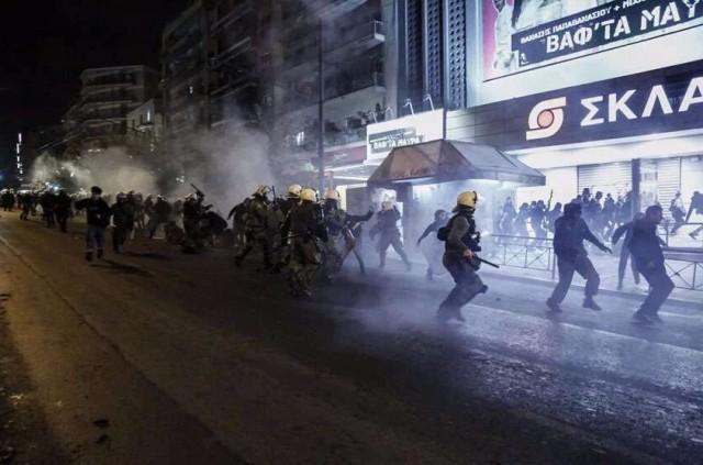 Масові й жорсткі безлади у Греції