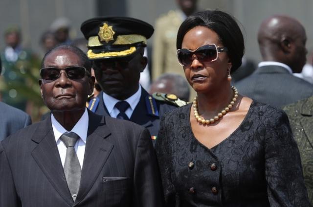 Президент Роберт Мугабе став позапартійним