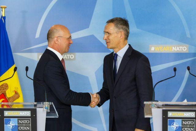 Молдова: всупереч проросійському президенту
