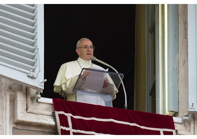 Понтифік молиться за мир в Україні