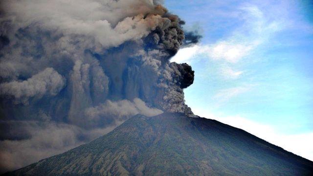 Вулкан вніс корективи у розклад польотів