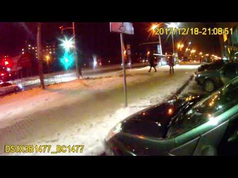 На Сихові водійка прокляла патрульних за виписаний штраф
