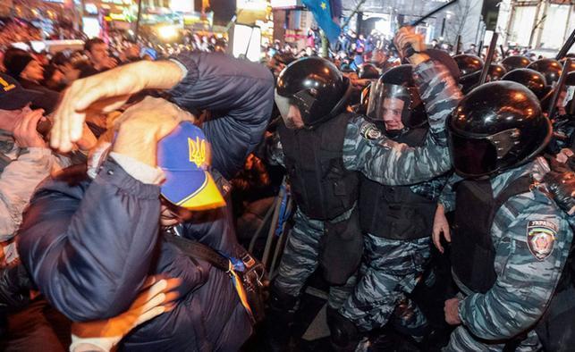Реакція Віктора Януковича на розгін Євромайдану