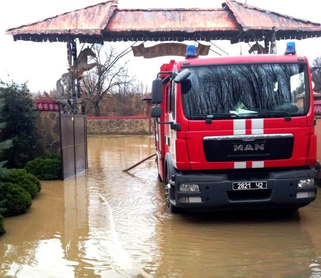 Грудневий паводок затопив Закарпаття