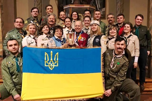 В Україну прибув Вифлеємський вогонь миру