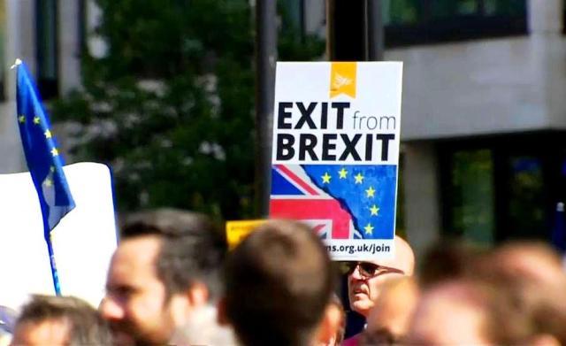 Більшості британців вже не потрібен «Brexit»